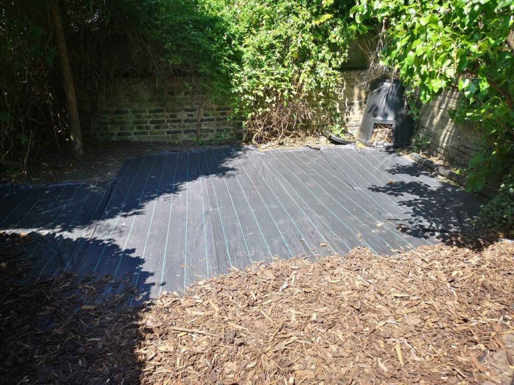 mulch installation services Tooting